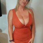 blonde à lunettes 50 ans