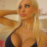 blonde aux gros nichons